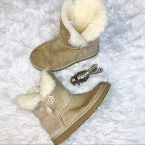 Ugg Classic Chestnut Bailey Button Short Boots